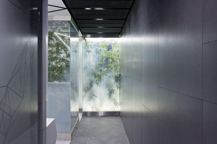 Design of the interior for public toilets and corridors in SC Złote Tarasy, stage 02. #geometric #minimal #zlotetarasy #architecture #design #interiors #art