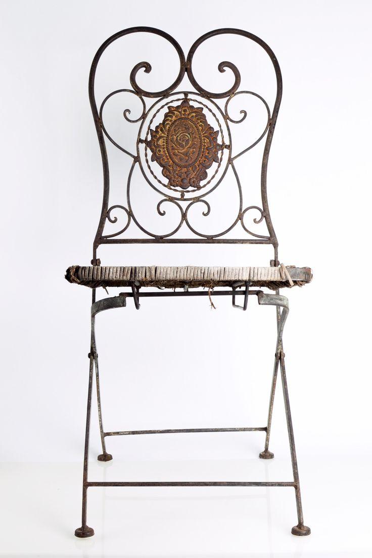 Vintage Iron Folding Garden Chairs / set of 2