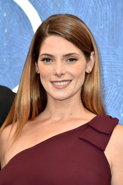 Ashley Greene Photos Photos - Ashley Greene attends the photocall of 'In Dubious…