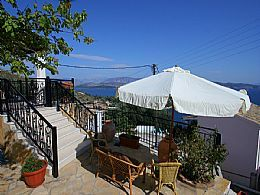 Villa Frosso, Kalami, Corfu. Sleeps 2 - 4 people.  Corfu villa, stunning sea views, in Kalami, close to tavernas, Wifi Internet, in a village location.