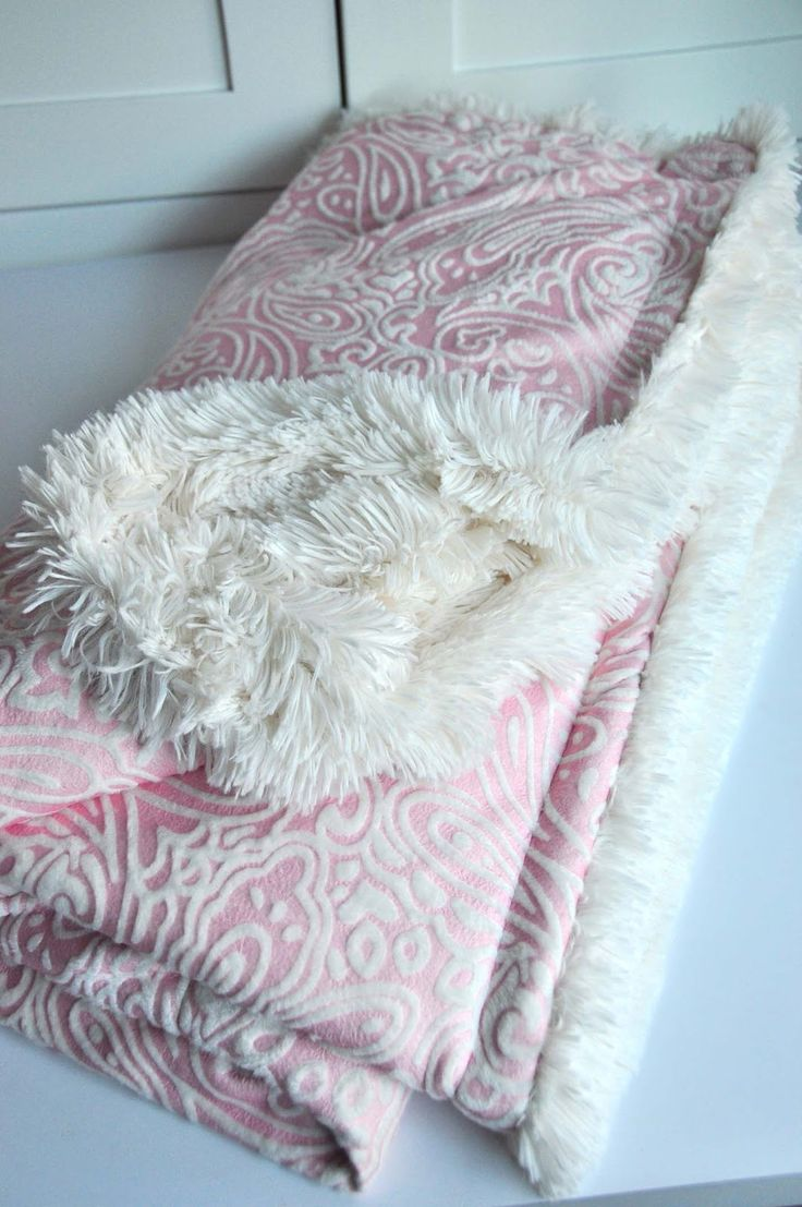 Sewing The Ultimate Cuddle Blanket (Tutorial)...this looks Amazing, must make this!