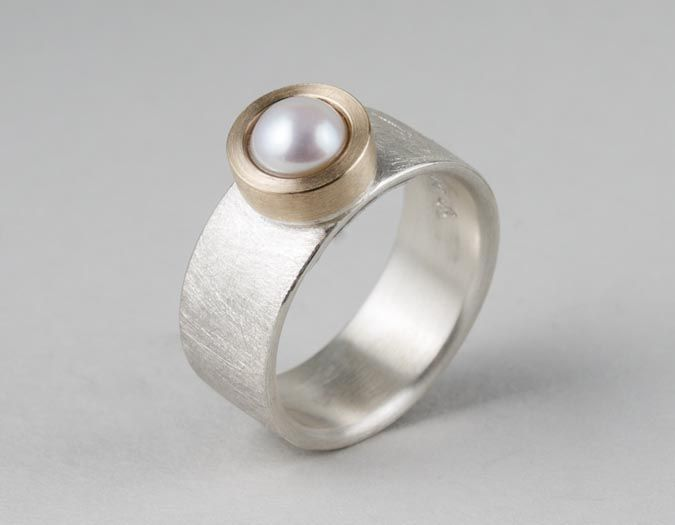 ES522  6mm D white pearl ring - stg silver, 9ct gold  $470