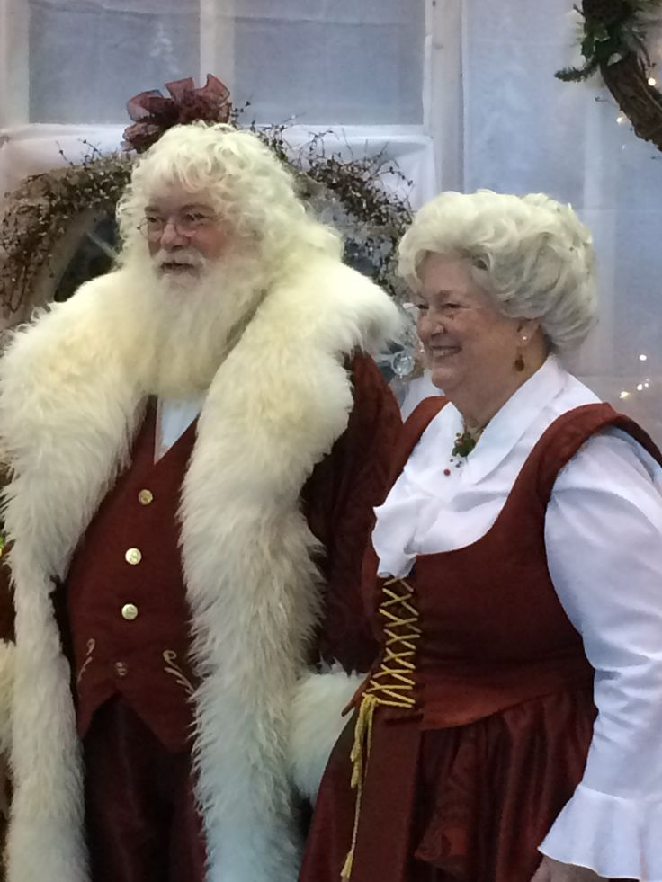 What a wonderful Santa and Mrs Claus.