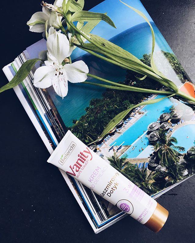 Wygraj kostium kąpielowy i kosmetyki Bielenda. Wystarczy jedno zdjęcie inspirowane produktami marki i wrzucić na Instagram z #gorowanabikini. Szczegóły w bio/opisie profilu #bielenda #bikini #konkurs  via ELLE POLAND MAGAZINE OFFICIAL INSTAGRAM - Fashion Campaigns  Haute Couture  Advertising  Editorial Photography  Magazine Cover Designs  Supermodels  Runway Models