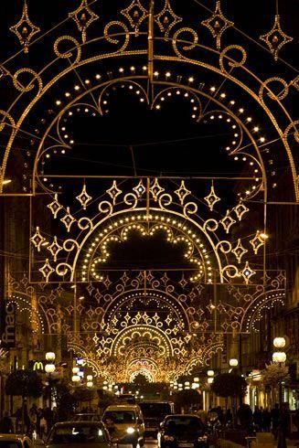 ♔ Christmas lights in Avignon ~ Provence.