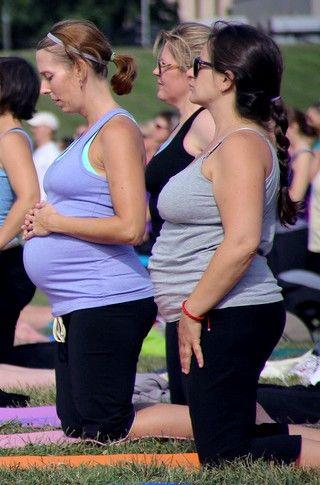 Sport et grossesse : guide pratique : Ce n'est pas parce que l'on est enceinte que l'on doit plus faire de sport. A condition d'être pratiquée avec précaution, l'activité physique est un excellent moyen de rester en forme pendant ces neufs mois. Voici quelques conseils pratiques pour concilier sport et grossesse.