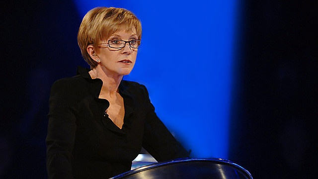 WEAKEST LINK - Game show hosted by Anne Robinson (First aired 2001)