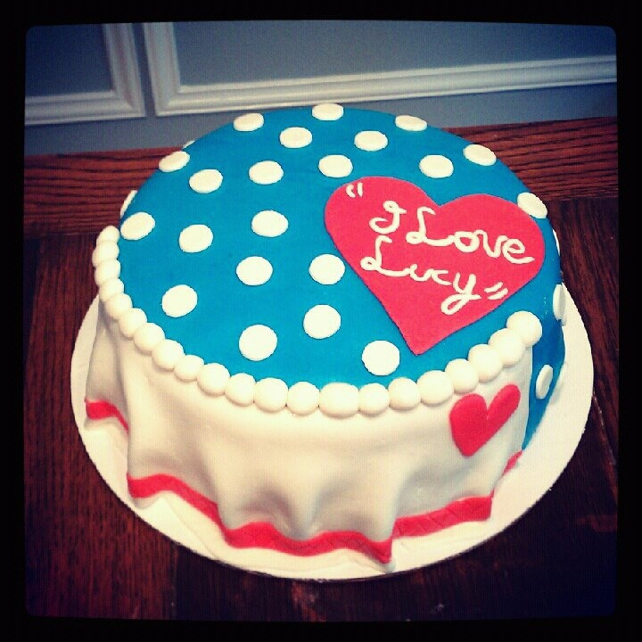 """""""I Love Lucy"""" Inspired Cake Created By Tiffany's"""