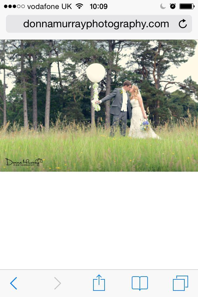 Coos cathedral; coos cathedral aboyne; barn wedding Scotland; balloons; creative wedding photography; Donna Murray photography