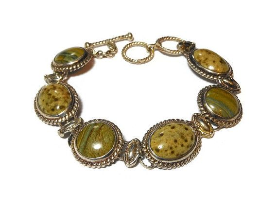CIJ sale 25% off now plus FREE shipping! No coupons needed! Green stone bracelet, natural stone probably jasper or agate, rope frame striated cabochons alternating with mottled ones via links. Silver plated decorative stone link bra... #etsygifts #vintage #vjse2 #jewelry #gift