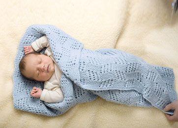 Lækkert og varmt strikket baby tæppe. Som den lille vil elske at blive svøbt i. Garnet: Big Merino kan sagtens bruges