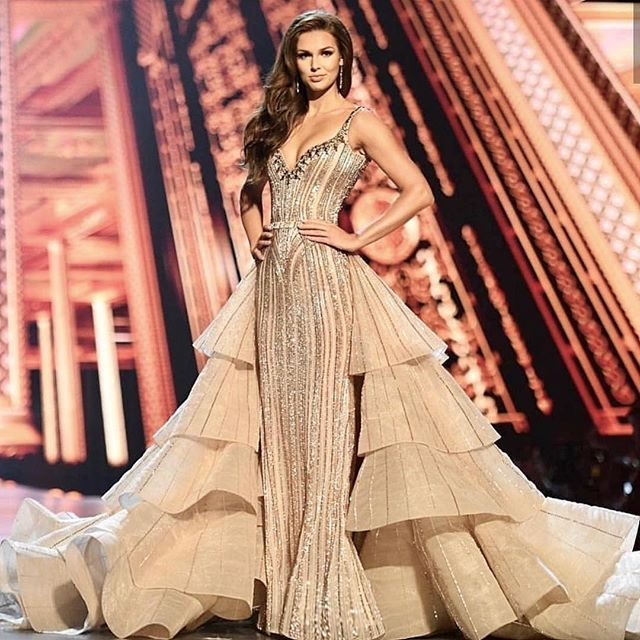 Miss Canada 2018 | Pageant in 2019 | Pleated wedding dresses
