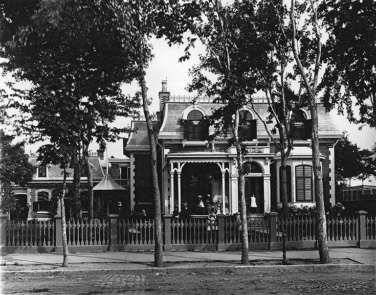 Mr. Hollis Shorey's house, St. Catherine Street, Montreal, QC, 1884 | by Musée McCord Museum
