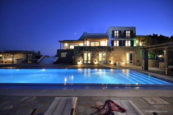 Mykonos Villa Pasiphae http://georgiapapadon.com/meet-the-absolute-mykonian-style-with-premium-luxury-at-the-pasiphae-villa/