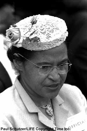 the many things that make rosa parks famous 10 inspiring quotes from rosa parks rosa parks received many awards during her lifetime, including the spingarn medal, the naacp's highest award.