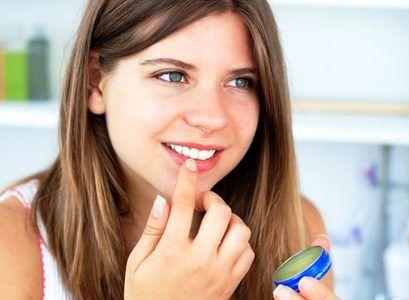 Cum sa folosesti vaselina pentru frumusete: 50 de tratamente pe care le poti face in 5 minute - Mobile Ele.ro