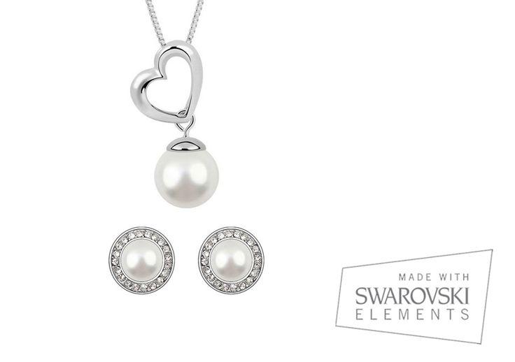 Conjunto Venecia, diseño clásico y elegante que combina perlas blancas con cristales #swarovski. http://ow.ly/z7z3n