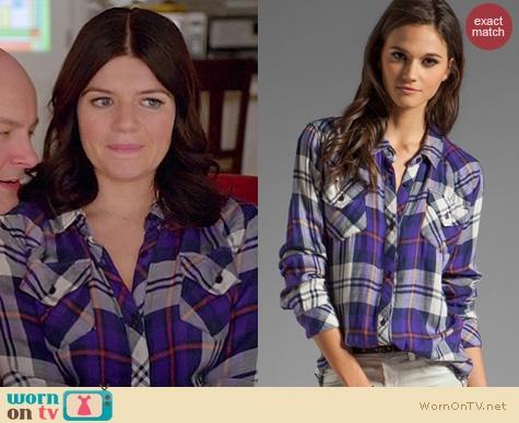 Penny's purple plaid shirt on Happy Endings.  Outfit details: http://wornontv.net/14764/