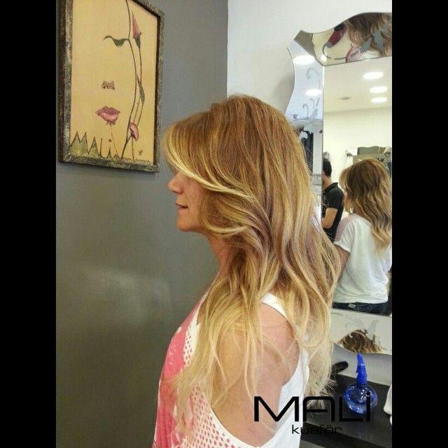 Saçınıza doğal ve yeni bir görünüm kazandıran Ombre balyaj, kişiye uygun ve doğru şekilde uygulanmalıdır. #ombre #ombrebalyaj #balyaj #dogal