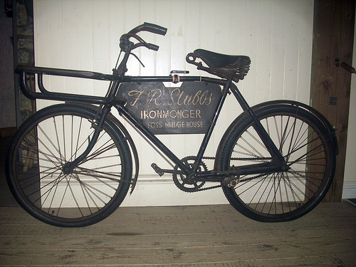 Vintage Pashley tradesman's bicycle.  http://jamessetevensart.carbonmade.com/about