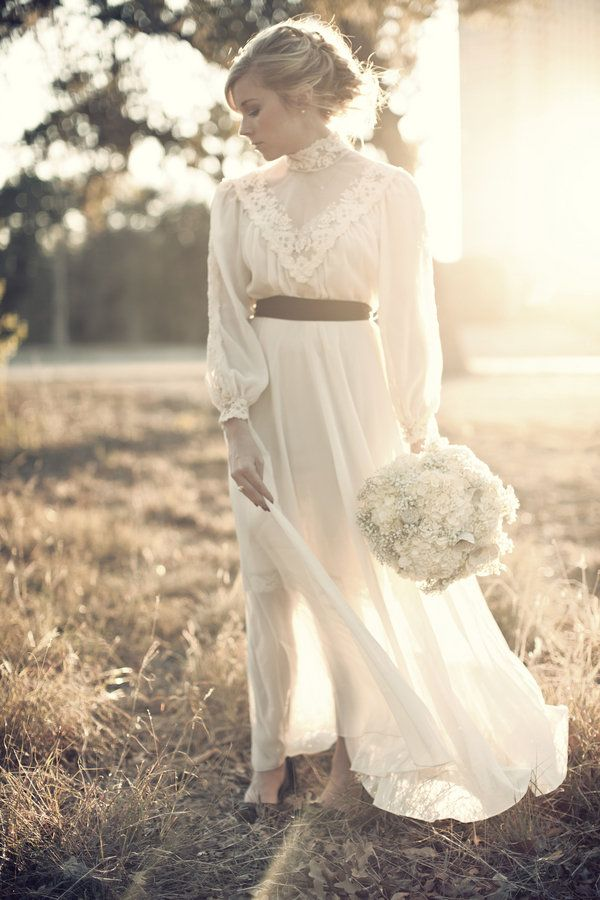 17 best ideas about victorian wedding dresses on pinterest for Victorian inspired wedding dress