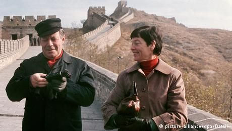 Deutschland Bundeskanzler Helmut Schmidt in China 1975 - first German politician to be aware of this rising power ........