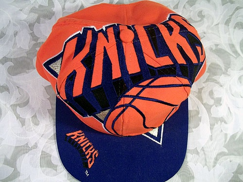 Sold VINTAGE 100% NBA AUTHENTIC NEW YORK KNICKS SNAPBACK HAT 1993 BY THE GAME