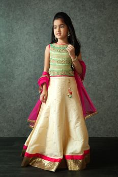 Embroidered lehenga choli embellished with zardosi, stones and zari work from #Benzer #Benzerworld #Kidswear #ethnicwear #ghagracholi