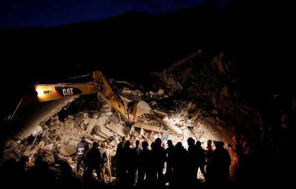 Italy quake toll hits 247 as rescuers work through the night to find survivors…