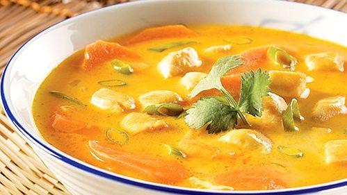 Soupe thaï au poulet - Recettes de cuisine, trucs et conseils - Canal Vie