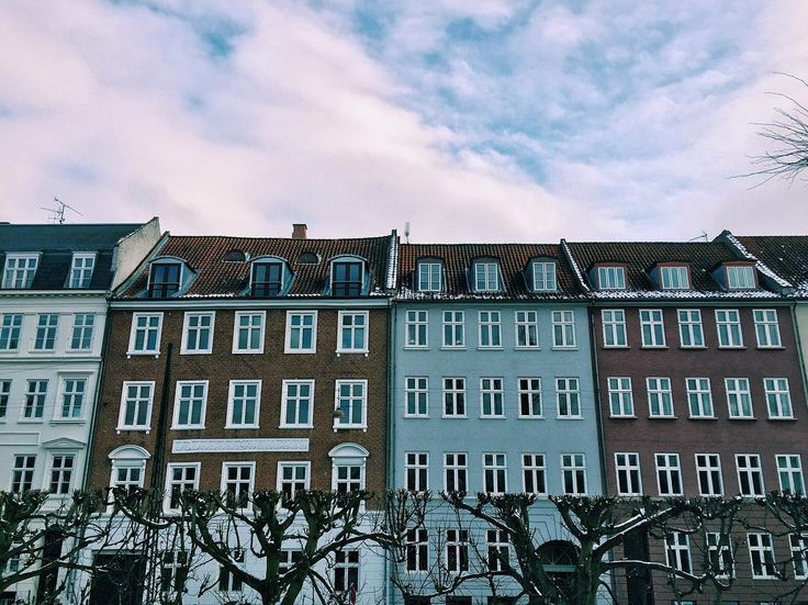 A few of the many colorful buildings you can find lining the streets of Copenhagen  #copenhagen #copenhagenlife #colors #architecture #findroommate #studyabroad