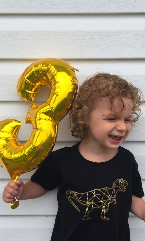 This little dude is either really excited about his balloon or his Geometric T-rex graphic tee. Or both. Wouldn't it be great if we were all this into our birthdays? Just pure joy on that face. Thanks for the great capture @coffeebeansandmascara! . . . . . #motherhoodthroughinstagram, #letthekids, #flashesofdelight #thehappynow #liveauthentic #kidsforreal #ethicalkidsfashion #ethicalkidsclothes #ethicalfashion #slowfashion #ethicalstyle  #babyfashionista #babyfashion #babystyle #kidsfashion…