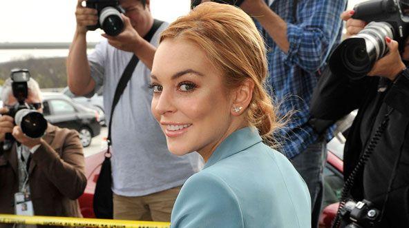 Lindsay Lohan Is A Redhead Again!