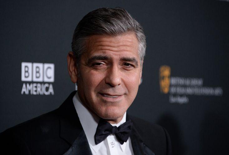 Ο George Clooney θεωρεί ότι τα Μάρμαρα του Παρθενώνα πρέπει να επιστραφούν στην Ελλάδα. Με αφορμή την συνέντευξη Τύπου που έγινε σήμερα στο Βερολίνο για τη νέα του ταινία,The Monuments Men, μια ελληνίδα δημοσιογράφος ρώτησε τον Clooney ποια η γνώμη του πάνω στο θέμα. Ο Clooney θεωρεί ότι η Ελλάδα έχει κάθε δικαίωμα στο να [...]