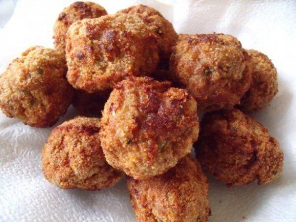 Bine ati venit in Bucataria Romaneasca Ingrediente (pentru 4 portii): 2 cani de fasole boabe 2-3 felii de franzela O cana de orez O ceasca de ulei 2 cepe 5-6