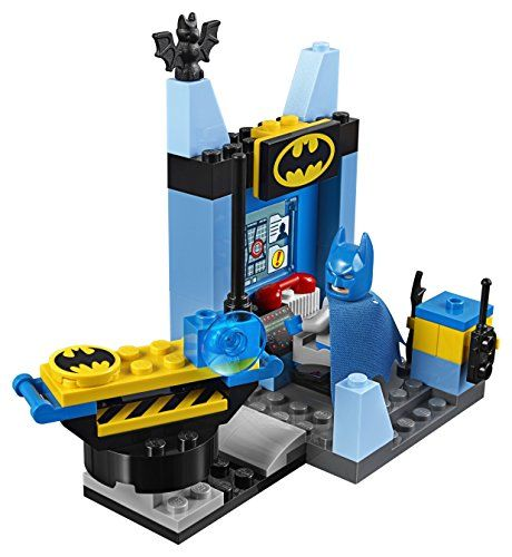 Features the Bat cave, Bat mobile, Lex Luthor's robotic vehicle and a catapult Bat cave features a bat-disk shooter plus a catapult to help make Superman 'fly, Bat mobile features rolling wheels and space for a minifigure Includes 3 minifigures: Batman, Superman and Lex Luthor