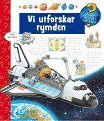 Vad är rymden? Var gömmer sig solen om natten? Hur blir man astronaut och kan man bo i rymden?  Rymden fascinerar oss alla, unga som gamla. Låt oss förklara för barnen och berätta vad som döljer sig i rymdens hemliga mörker. Med enkla och innehållsrika texter samt många färgrika bilder förklarar boken vad solen, månen och stjärnorna har för sig i himlen och varför vår jord är så spektakulär. Boken är försedd med en stjärnkarta som tar med läsaren till stjärnhimlens mitt.