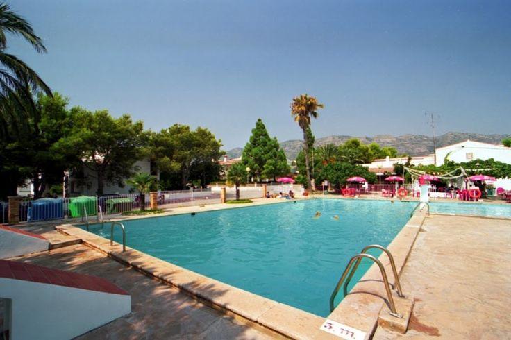 Restaurante Serramar. Tenis, Padel, Piscina!!  Avda del Mar, 9 Alcanar. Telèfon: 977 74 50 60.  #establimentrecomanat