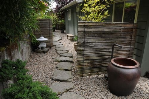 Love the idea of this asian-style garden  installed over a concrete slab! (sunset)
