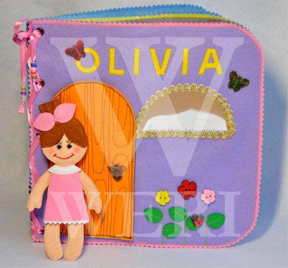 Casa de muñecas libro tranquila / 10 páginas / fieltro libro tranquila / ocupado libro / hecho a mano / juguete/personalizado de viajes disponibilidad libro / hecho por encargo