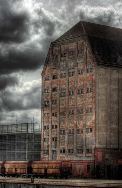 Abandoned Warehouse   Needs a conversion   Inspirational Architecture   Industrial and Vintage Warehouse Conversion   Loft Living   Warehouse Home Design Magazine