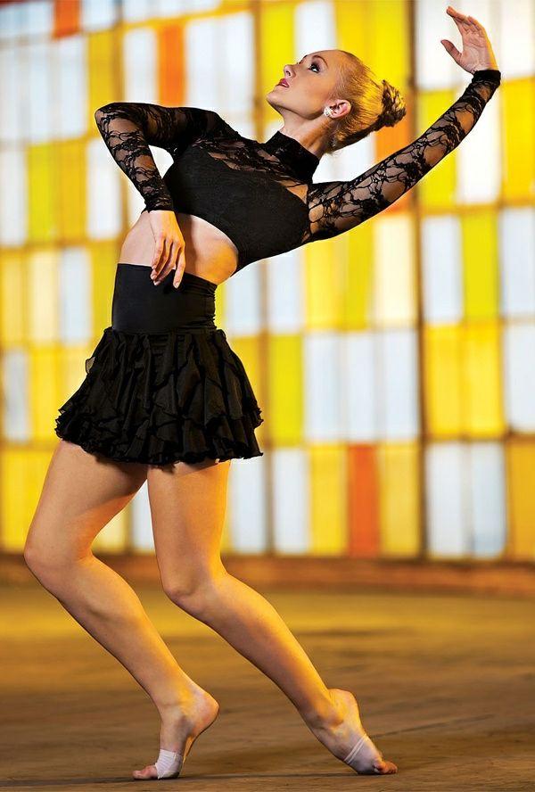 les 25 meilleures id es de la cat gorie tenue de danse sur pinterest lyriques costumes. Black Bedroom Furniture Sets. Home Design Ideas