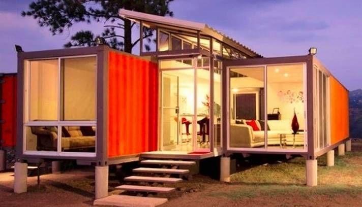 Esta residência em San Jose, Califórnia, tem um telhado inclinado, que favorece a ventilação, e grandes vidros para aproveitar a luz do dia...