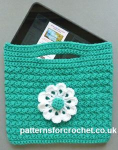 Free crochet pattern for small bag, it's also suitable for IPads, tablets etc. http://www.patternsforcrochet.co.uk/small-bag-usa.html #patternsforcrochet