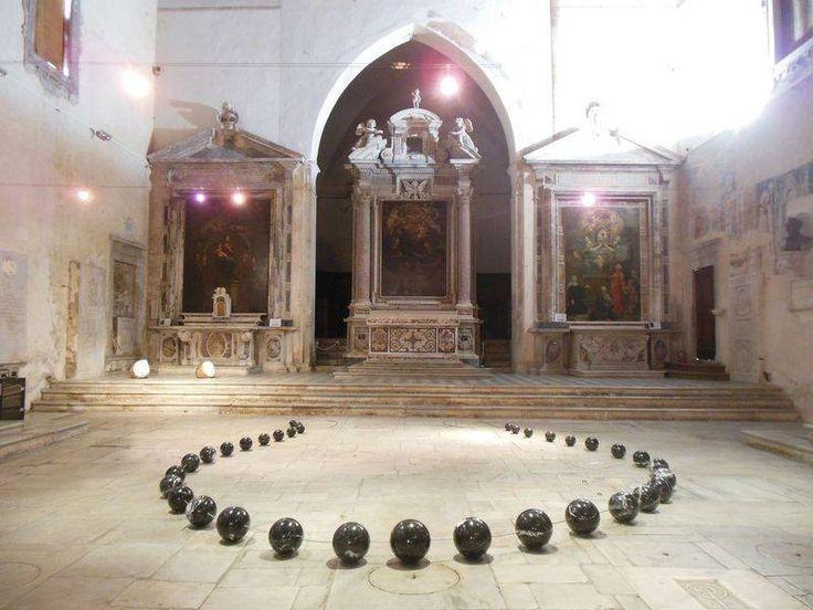 """Visita alla mostra dello scultore Lo Pinto per gli allievi delle classi  1A, 1B, 1C, 1D, 5C del Liceo artistico """"Stagio Stagi"""". Centro culturale Sant'Agostino -  Pietrasanta, novembre 2015."""