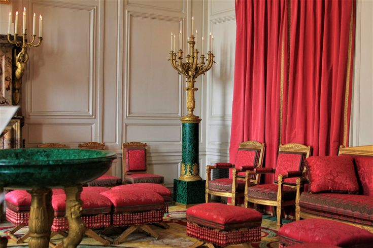 What to see in Versailles? The Small Trianon!