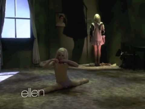 Sia Chandelier Live on Ellen ****Amazing*** <3