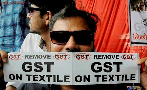Union minister meets textile traders, demands to be put before GST council