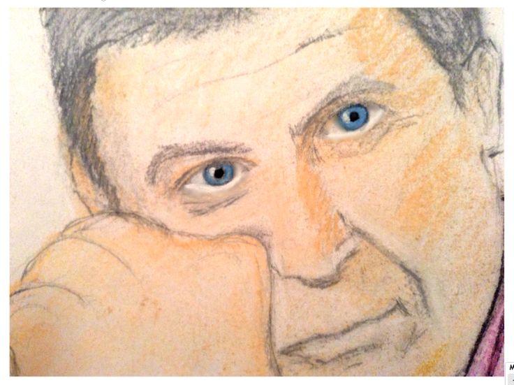 Сегодня писала портрет мужчины по фотографии. У человека невероятно красивые глаза. Сфотографировала рисунок поближе.