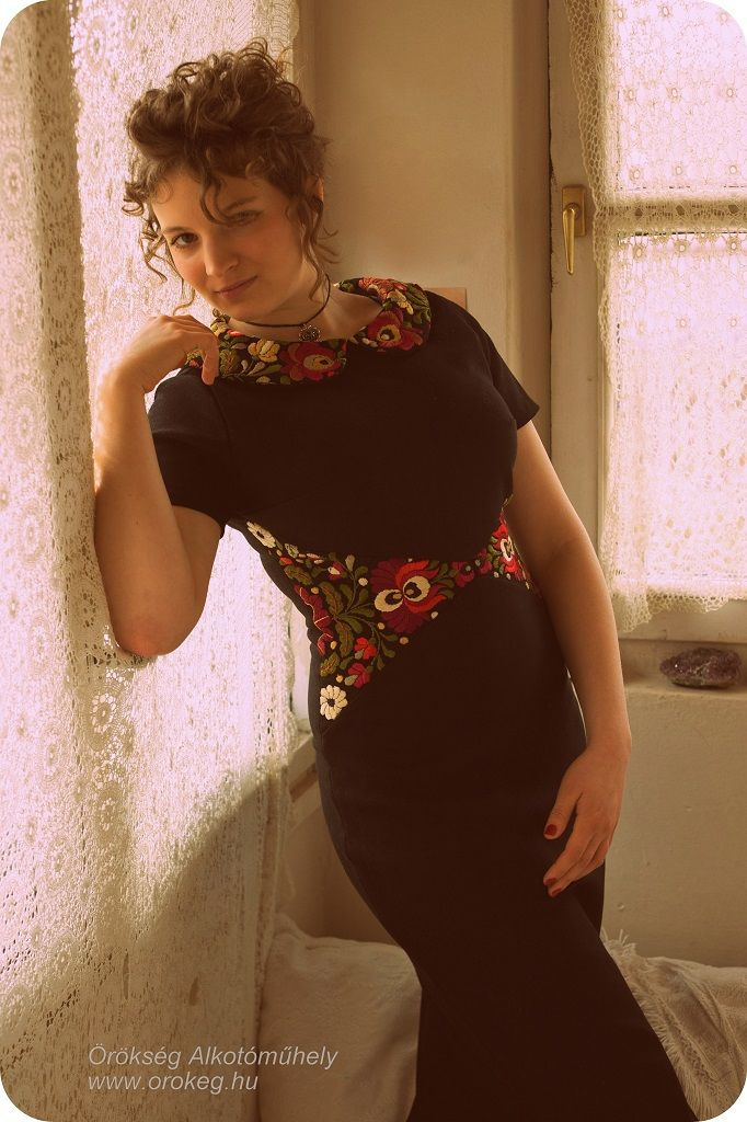 Beautiful handmade dress with Hungarian embroidery  www.orokeg.hu